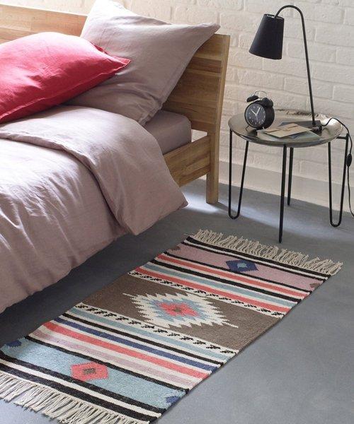 einrichtungsideen bettvorleger. Black Bedroom Furniture Sets. Home Design Ideas