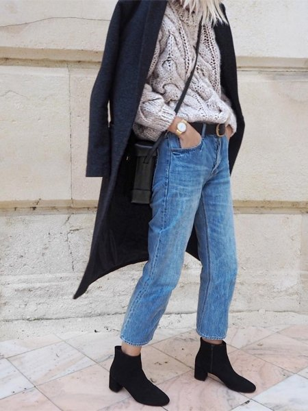 Winter Outfit für jeden Tag: Kuschelpulli trifft Cropped Jeans