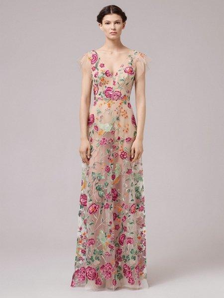 Hochzeitskleider 2017: Transparentes Blumenkleid mit Farbe von Anna ...