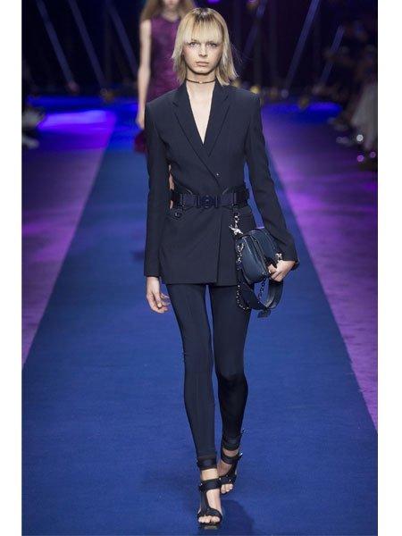 Leggings kombinieren bei versace auf dem runway - Leggings kombinieren ...