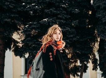 Mit diesen Übergangsjacken gehst du modisch durch den Herbst