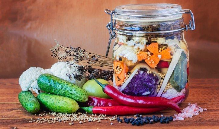 So kannst du dein gemüse ganz eich selbst fermentieren.