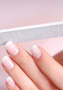Beauty Talk: Wie behandle ich gespaltene Fingernägel?