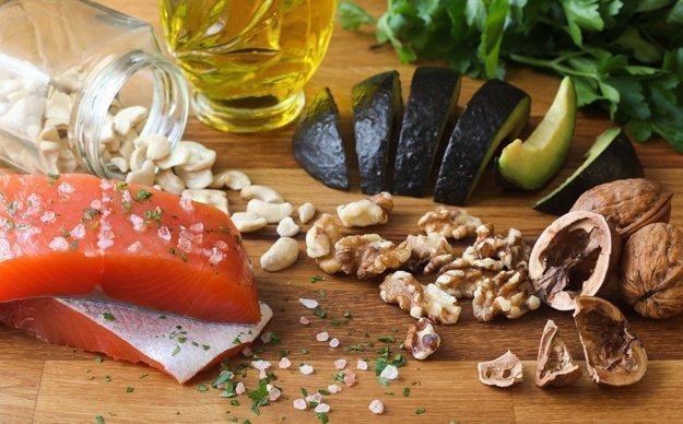 Diese Lebensmittel enthaltenungesaetiggte Fettsauren und Omega 3.