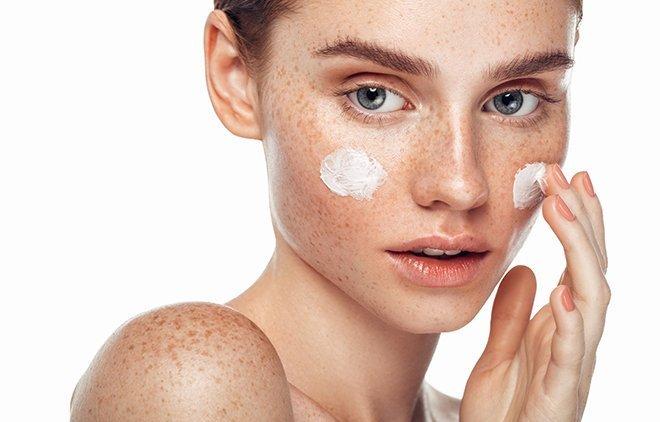 Bei der Hautpflege ist weniger oft mehr.