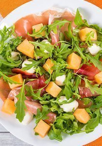 3 frische Melonensalat-Rezepte, die dir den Sommer versüssen