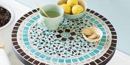 Stein um Stein: Anleitung für einen Mosaik-Bistrotisch