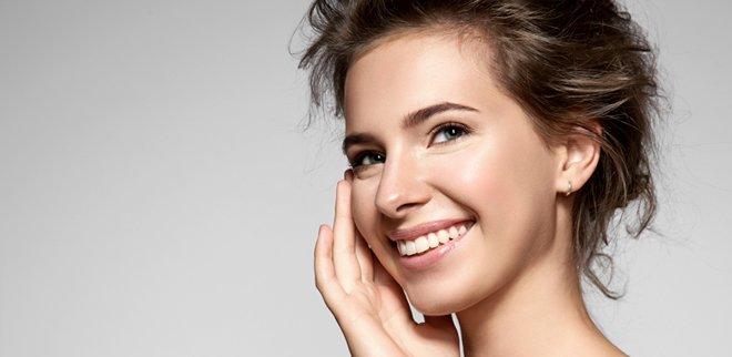 Makeup ohne Maskeneffekt zählt zu den Königsdisziplinen der Visagistenkunst. Eine Anleitung zum #Nomakeup-Look - mit Make up.
