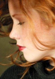 Shades of Red: Rote Haare richtig färben und pflegen