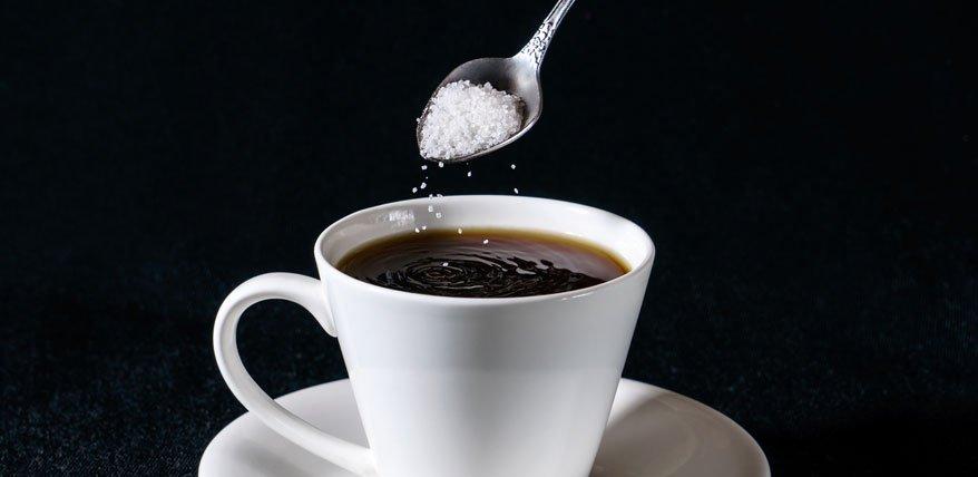 Suesstoff statt Zucker hilft nicht beim Abnehmen