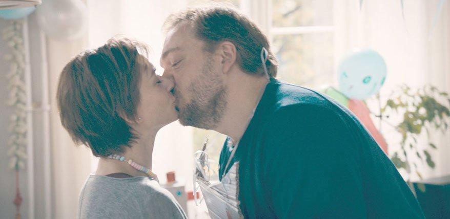 Eltern werden, Paar bleiben. Wie Paare die Beziehungsprobe mit Baby meistern, verrät Marion Sontheim im Interview.