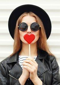Trockene Lippen adieu: Pflegetipps, Hausmittel und Lippenbalsam