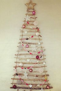 Weihnachtsdeko basteln anleitung f r einen weihnachtsbaum aus treibholz - Weihnachtsbaum deko basteln ...