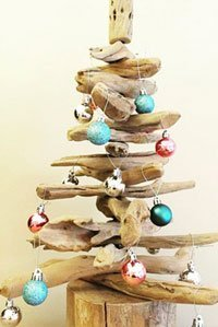 weihnachtsdeko basteln anleitung f r einen weihnachtsbaum aus treibholz. Black Bedroom Furniture Sets. Home Design Ideas