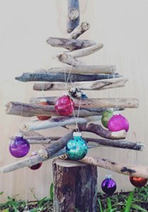 Wir basteln einen Weihnachtsbaum aus Treibholz
